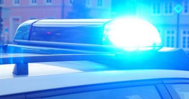Unter Drogen stehender Kleinkraftradfahrer versucht zu flüchten und verunfallt