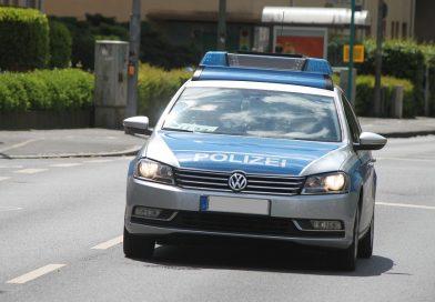 Nach einem Verkehrsunfall auf der B4 im Landkreis Uelzen zwischen dem Barumer Kreuz und dem Seedorfer Kreuz sucht die Polizei Unfallzeugen