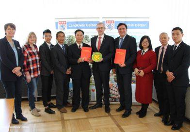Neue chinesische Partnerschule der BBS I: Landrat begrüßt Delegation im Kreishaus