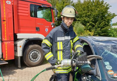 """Freiwilliges Soziales Jahr im Bereich Brandschutz: """"Das volle Spektrum Feuerwehr"""""""