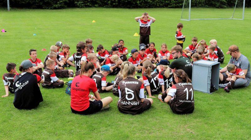 FC St. Pauli Rabauken Fußballschule wieder in Wieren